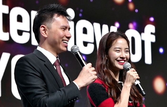 Emcee Lester with Korean celebrity and actress Song Ji Hyo (running men show)