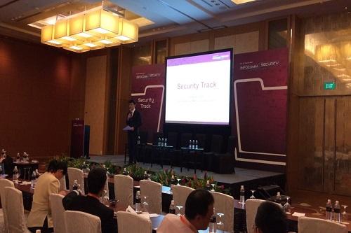 Seminar Emcee Singapore Lester Leo
