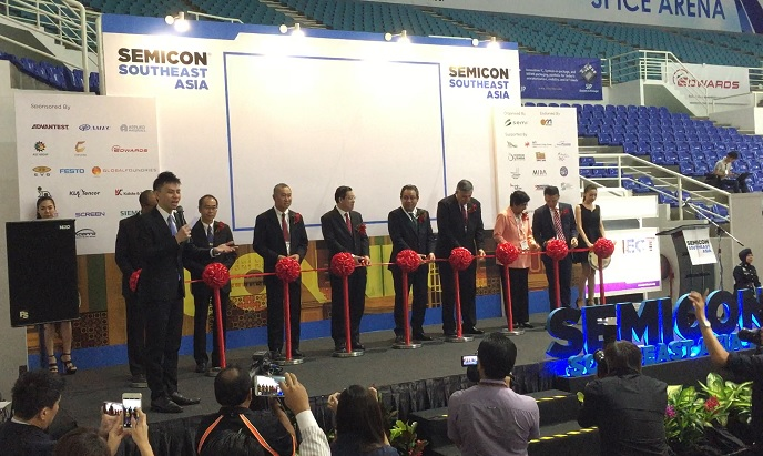 Semicon 2016 with Chief Minister of Penang, Malaysia Mr Lim Guan Eng Emcee Lester Leo