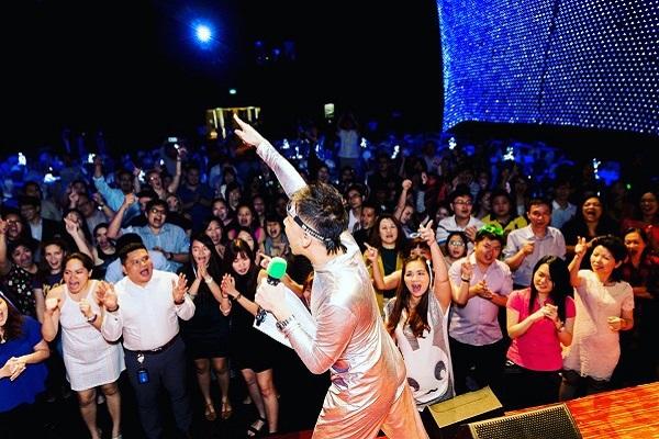event host singapore lester leo emcee fun event