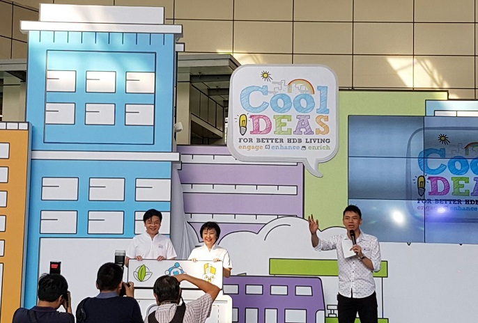Hdb cool ideas for better hdb living roadshow government event with emcee lester leo